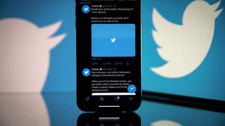 Portable avec Twitter et Birdwatch